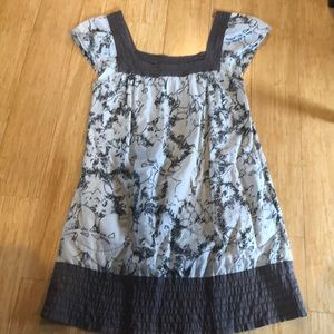 Lovely lightweight dress. Size S.